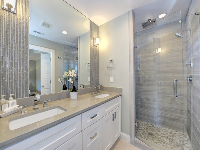 15ambiance_cayman_lucente_morning_fog_linear_metro_white_shower_floor