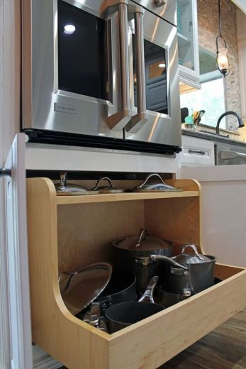 organized-cabinets-wellborn-pot-and-lid-organizer