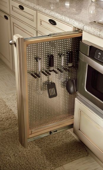 organized-cabinets-wellborn-utensil-holder